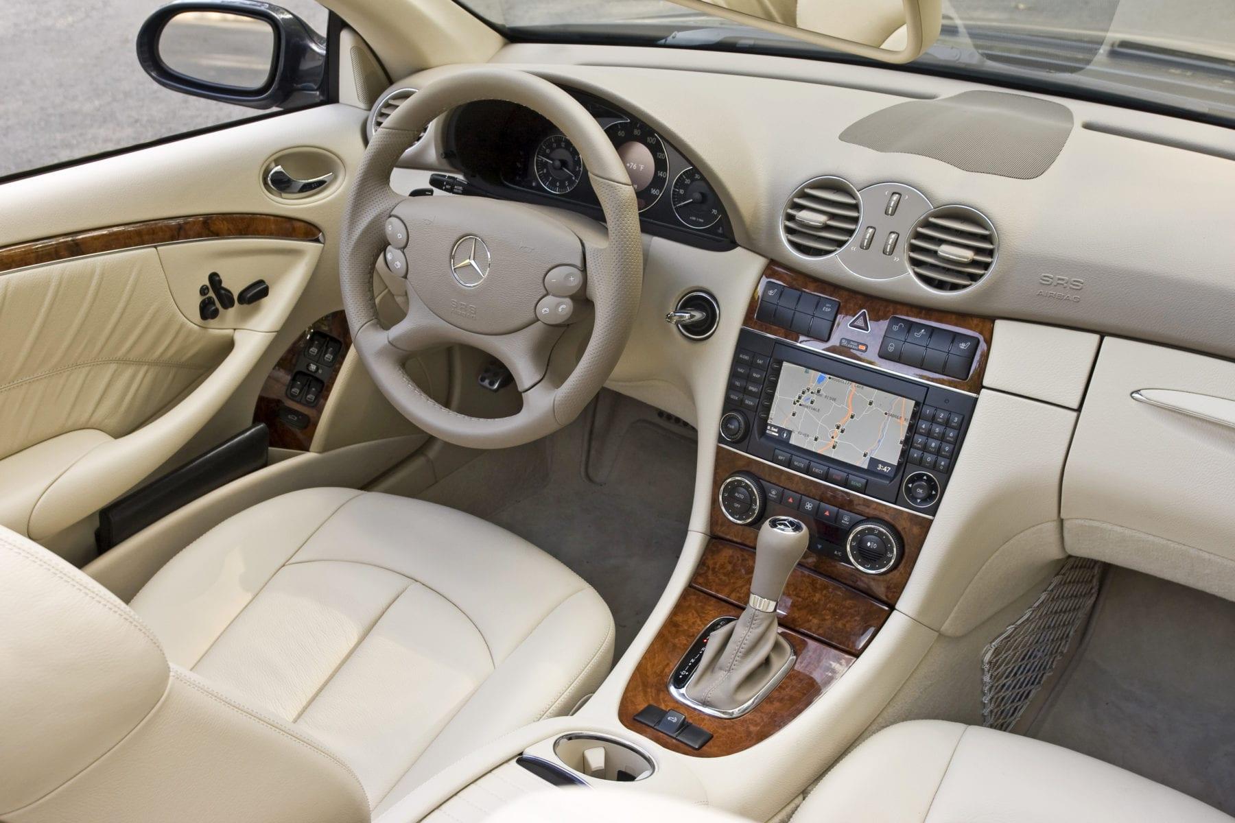 CLK550 Cabriolet, interior