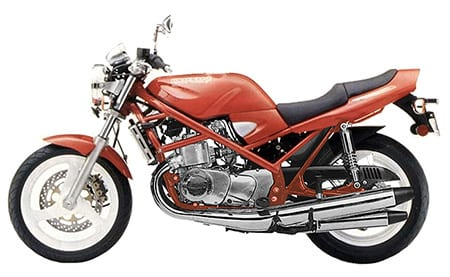 Pete's quick visualization of what a GT750/GSF400 Bandit Hybrid might look like.