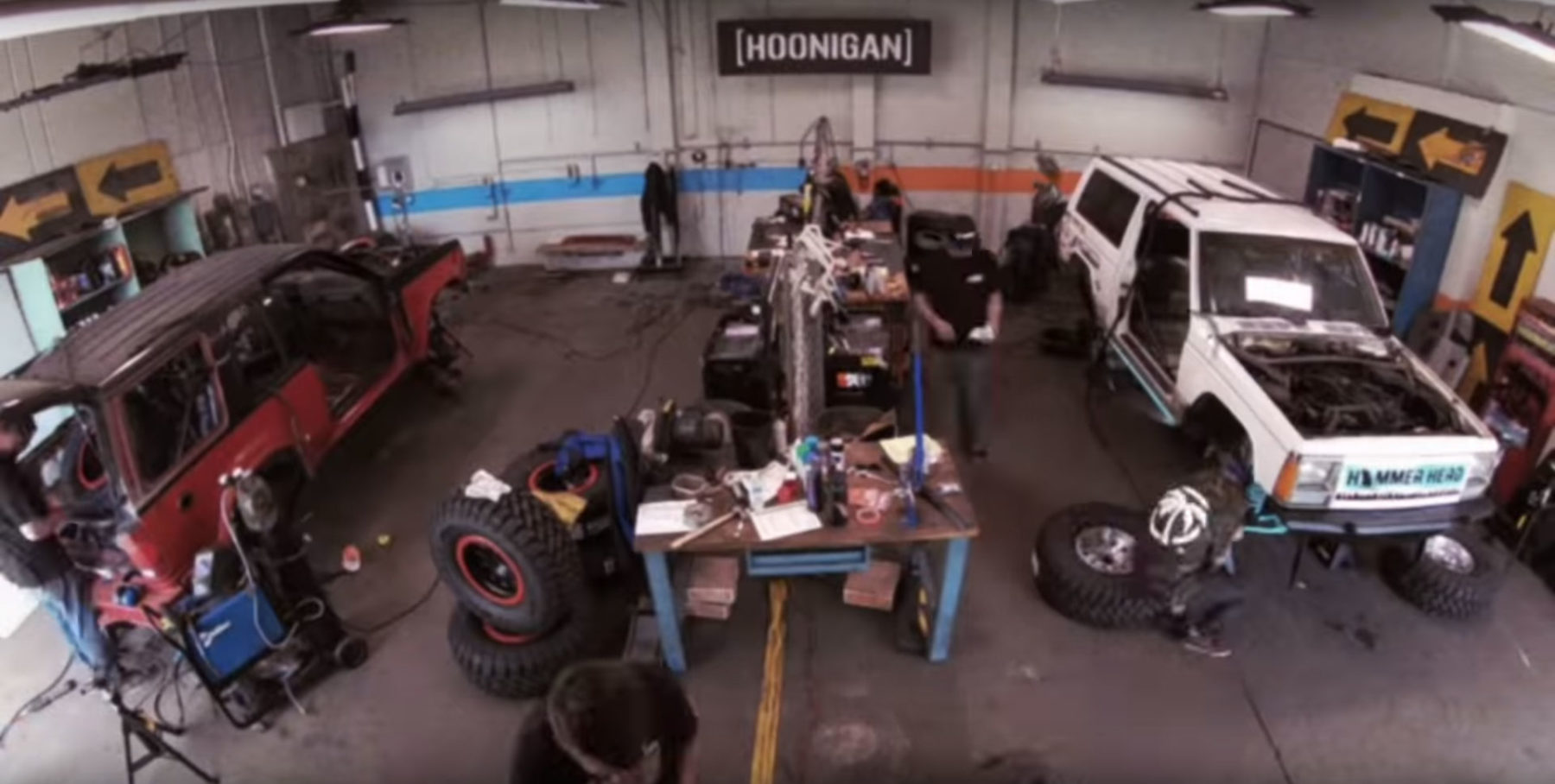 Hoonigan Build & Battle