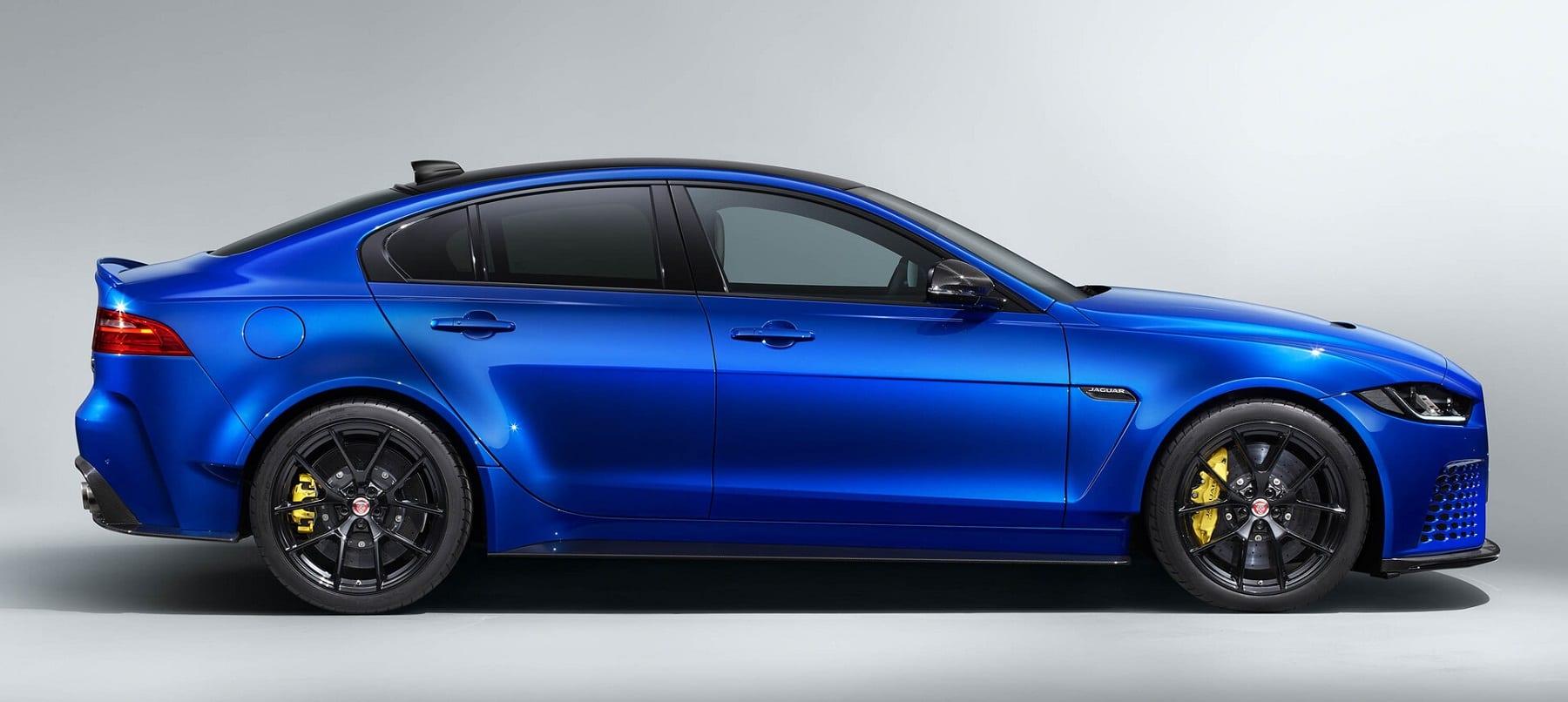 jaguar-xe-sv-project-8-touring-1