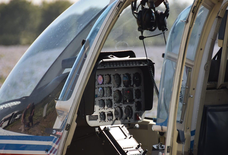 Bell JetRanger III cockpit
