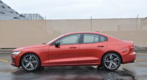 Review: 2019 Volvo S60 T6 R-Design - Your bimmer replacement is here