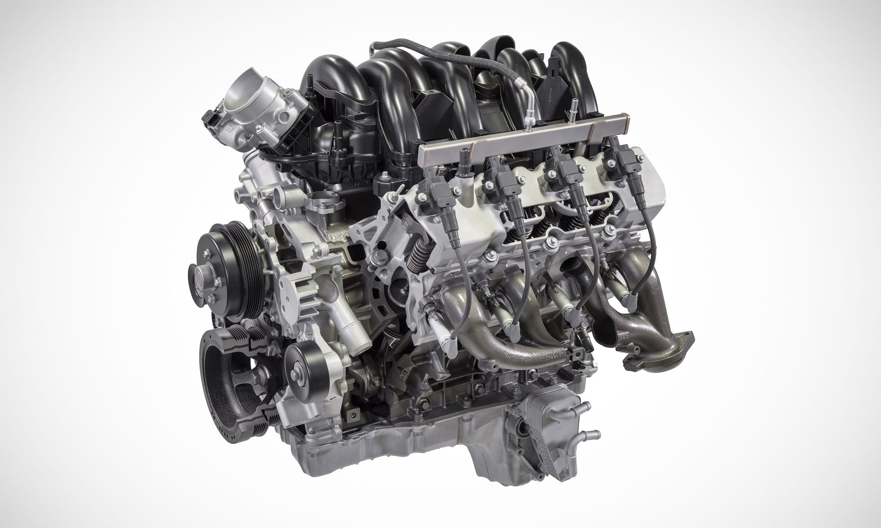 The 7.3-liter engine is paired with the all-new 10-speed heavy-duty TorqShift® transmission on Super Duty pickups and is designed for robust power, long-term durability and ease of service that truck owners demand in both personal and business applications