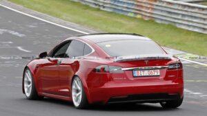 Wide-body Lemon buy-back Tesla on race tires is on the Nürburgring