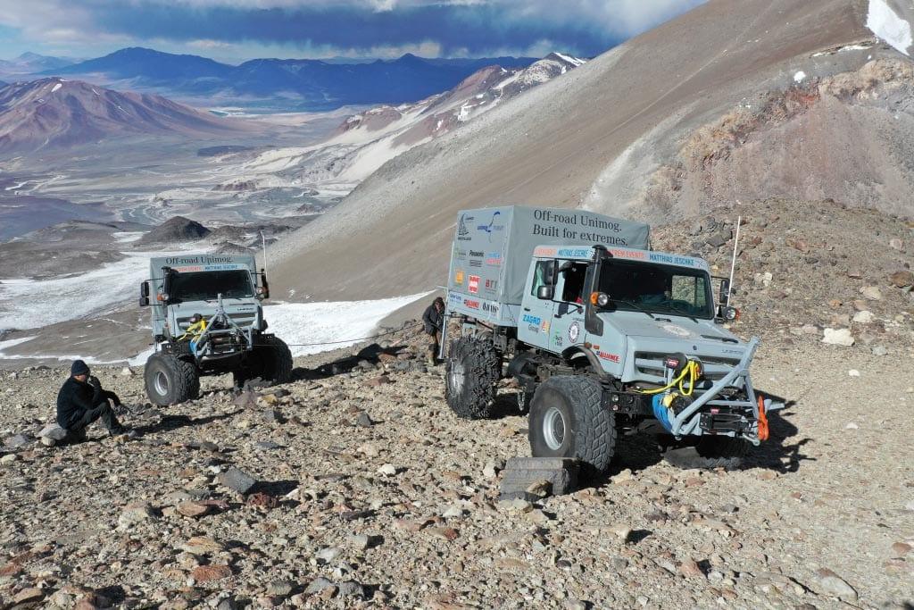 Mercedes Unimogs set altitude record on volcano