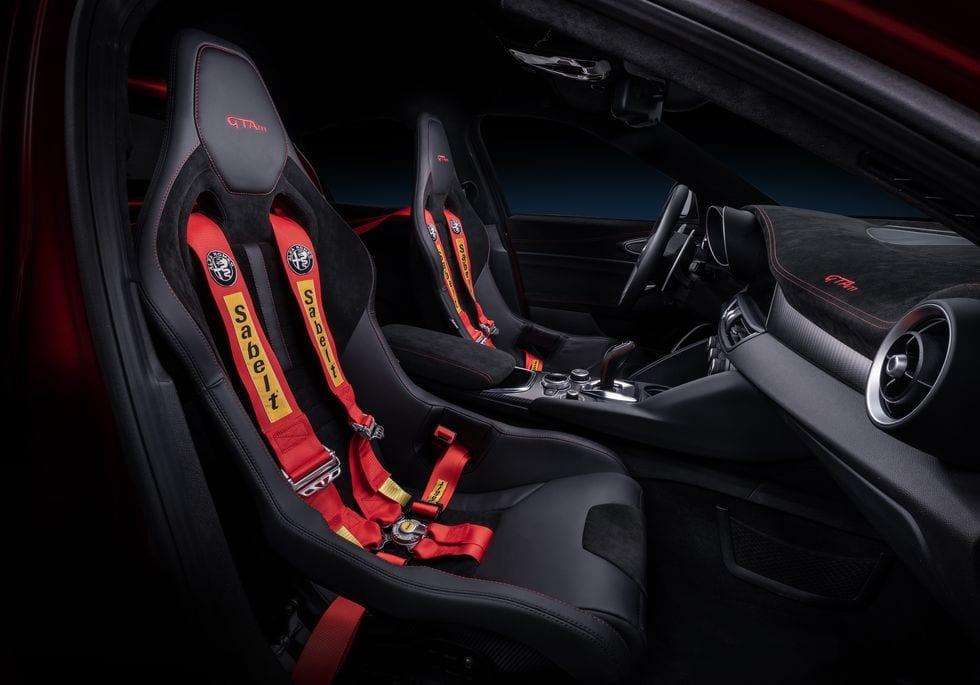 The 2021 Alfa Romeo Giulia GTA is Super Sedan Hotness ...