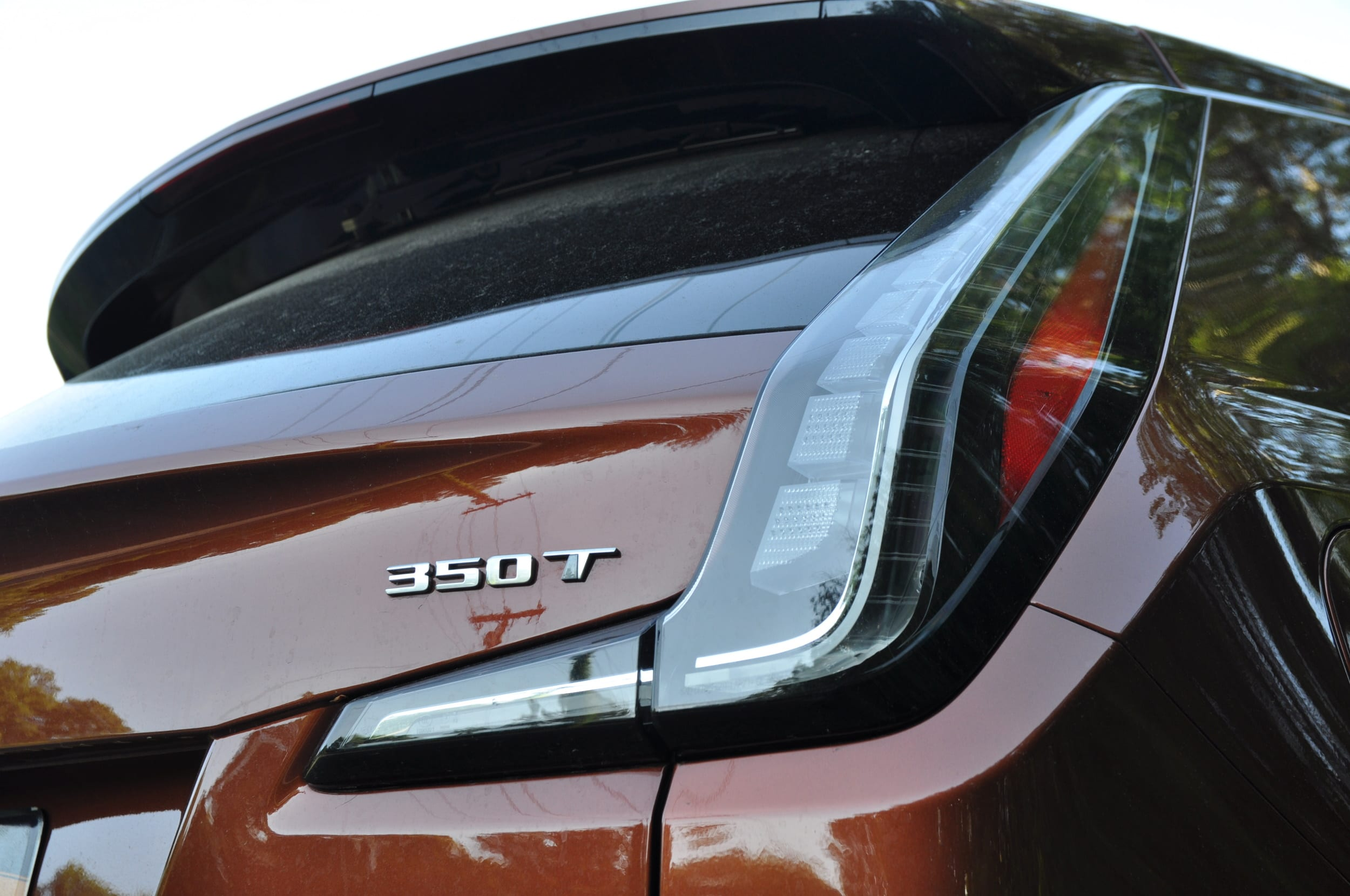 cadillac xt4 rear taillight